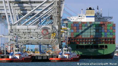 Containerhafen von Rotterdam (picture-alliance/dpa/M. Murat)