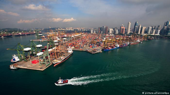 Containerhafen von Singapur (picture-alliance/dpa)