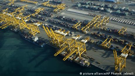 Containerhafen von Dubai (picture-alliance/AP Photo/K. Jebreili)
