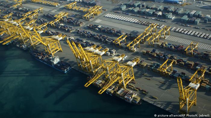 Containerhafen von Dubai (picture-alliance/AP Photo/K. Jebreili)