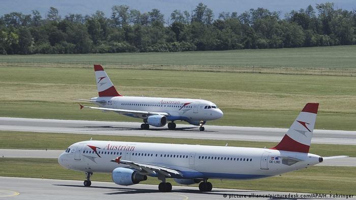 Österreich Flugzeuge am Flughafen Wien-Schwechat