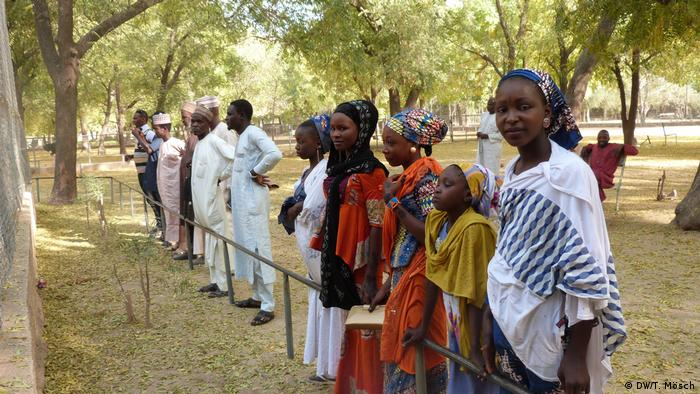 Borno - Besucher im Zoo von Maiduguri (DW/T. Mösch)