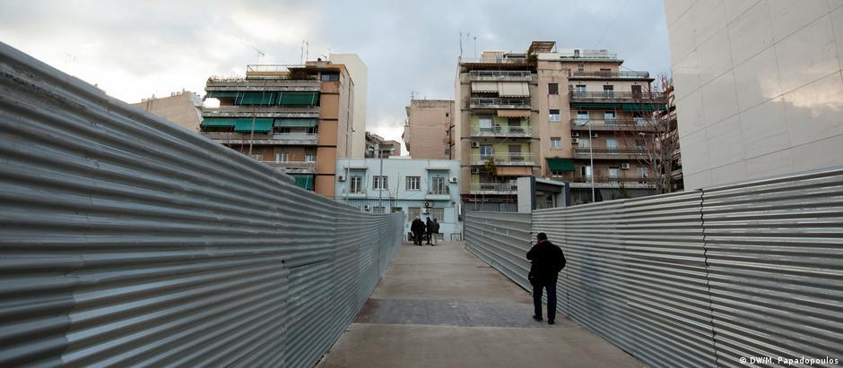 Η μακρόσυρτη διάσωση της Αθήνας