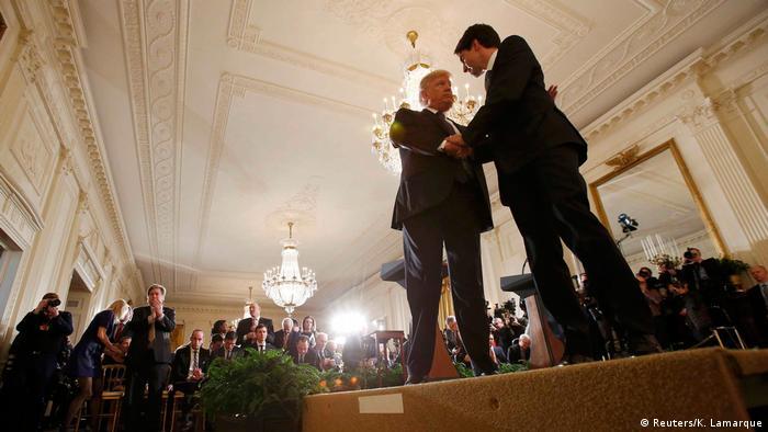 23/12/· Dabei war das Freihandelsabkommen zunächst auch in den USA umstritten. Nachdem der damalige Präsident George H. W. Bush den Vertrag gemeinsam mit seinem mexikanischen Kollegen Carlos Author: WELT.
