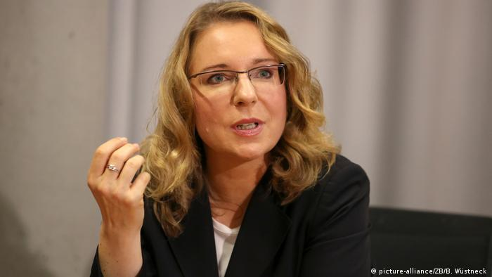 Deutschland Claudia Kemfert in Rostock (picture-alliance/ZB/B. Wüstneck )