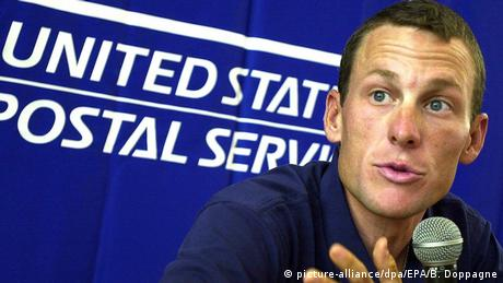 Frankreich Radsportler Lance Armstrong in Pau (picture-alliance/dpa/EPA/B. Doppagne)