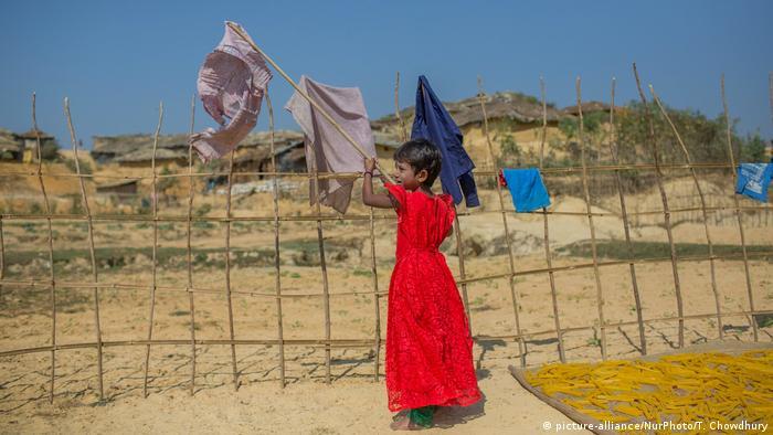 Bangladesch Rohingya Flüchtlinge in Kutupalong Flüchtlingslager (picture-alliance/NurPhoto/T. Chowdhury)