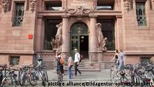 UniversitÃ_ts-Bibliothek in Heidelberg, Baden-Wuerttemberg, Deutschland   university library building in Heidelberg, Baden-Wuerttemberg, Germany   Verwendung weltweit, Keine Weitergabe an Wiederverkäufer.