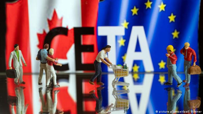 CETA Modellfiguren (picture alliance/dpa/J. Büttner)