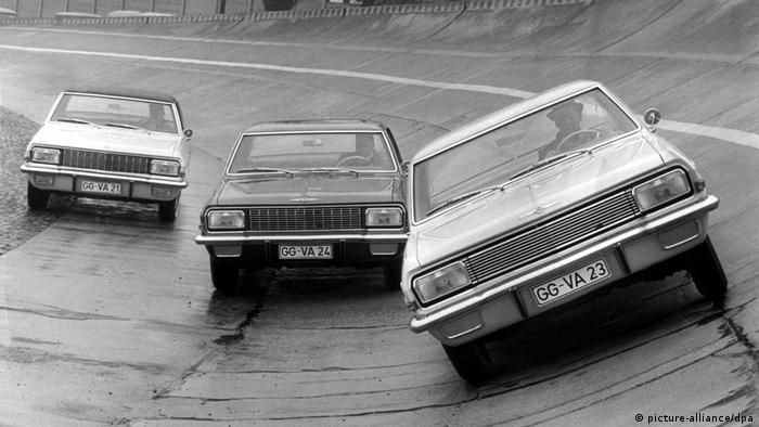 Deutschland Geschichte Opel Diplomat, Admiral und Kapitän (picture-alliance/dpa)