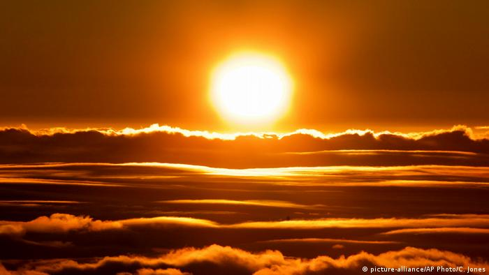 Hawaii Maui Sonnenaufgang (picture-alliance/AP Photo/C. Jones)