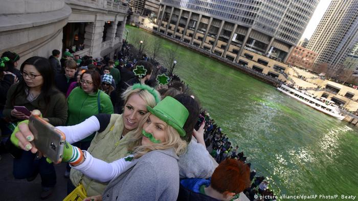 USA St. Patrick's Day in Chicago (picture alliance/dpa/AP Photo/P. Beaty)