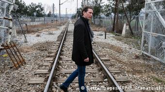 Mazedonien Österreichs Außenminister Seabstian Kurz besucht die Grenze zwischen Mazedonien und Griechenland