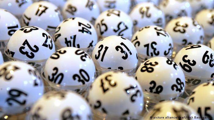 Deutschland Ziehung der Lottozahlen beim Hessischen Rundfunk in Frankfurt