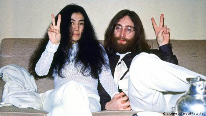John Lennon und Yoko Ono (picture-alliance/Photoshot)