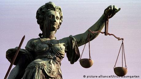 Statuie a zeitei Justitia