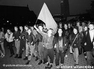 Young people march during a Monday demo in Berlin in October 1989