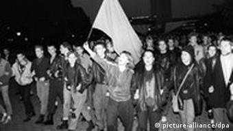black and white picture of protesters in Berlin in 1989