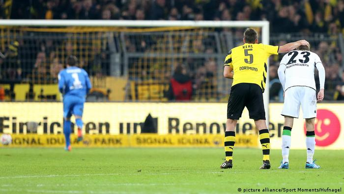 Eigentor Christoph Kramer gegen Dortmund (picture alliance/Sport Moments/Hufnagel)