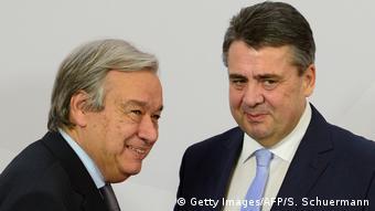 Deutschland G 20 Außenministertreffen in Bonn Gabriel und Guterres