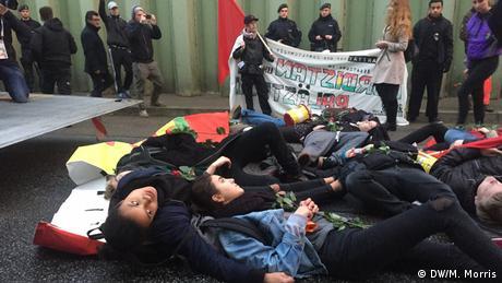 Deutschland G 20 Außenministertreffen in Bonn Protest (DW/M. Morris)