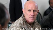 Afghanistan US-Vizeadmiral Robert S. Harward in Sarandsch (picture-alliance/dpa/U.S. Marine Corps/Sgt. Shawn Coolman)