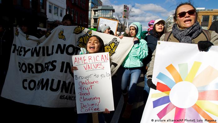 USA Day Without Immigrants-Protest in Washington (picture-alliance/AP Photo/J. L. Magana)