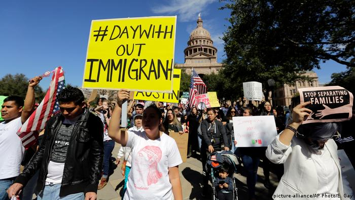 USA Day Without Immigrants-Protest in Austin (picture-alliance/AP Photo/E. Gay)