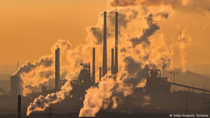 Oberhausen factory emissions (Getty Images/L. Schulze)