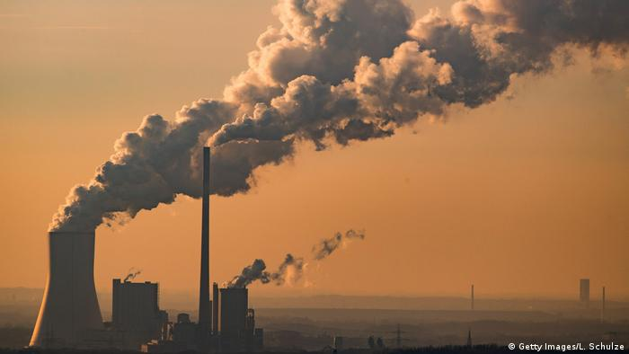 Kraftwerk Oberhausen Wasserdampf Abgase (Getty Images/L. Schulze)