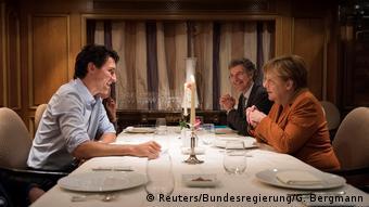Deutschland Kanada Merkel trifft Trudeau im Regent hotel in Berlin