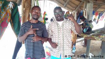 Angolanische Rappers EXM (links) und Cheik Hammed Hata