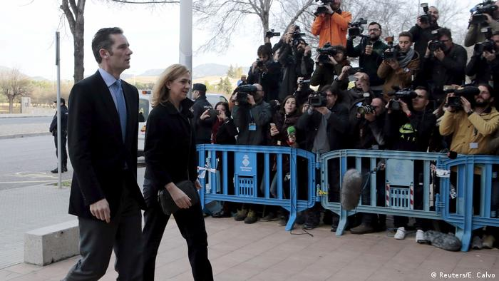 Spanien Prinzessin Cristina und Ehemann Inaki Urdangarin vor Gericht in Palma de Mallorca (Reuters/E. Calvo)