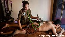 Indonesien Reflexology Spa - Schlangen-Massage