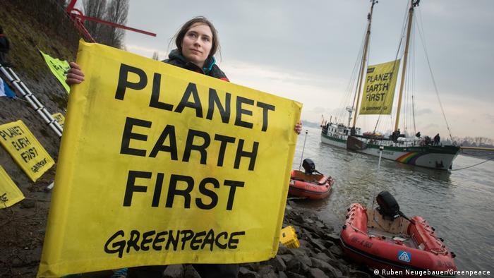 Greenpeace Protesten zu G20 Greenpeace Aktivisten fordern gemeinsamen Klimaschutz von G20