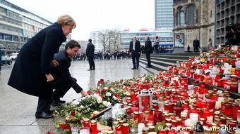 Deutschland Merkel und Trudeau am Breitscheidplatz in Berlin