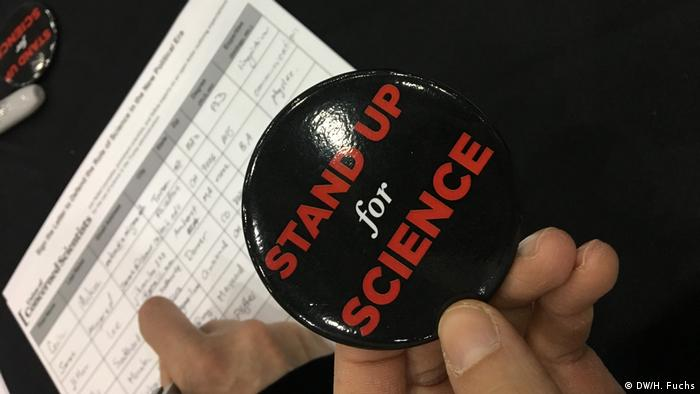 USA Boston - AAAS Meeting: Stand up for Science (DW/H. Fuchs)