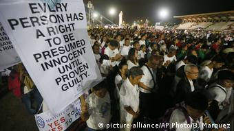 Philippinen Proteste in Manila (picture-alliance/AP Photo/B. Marquez)