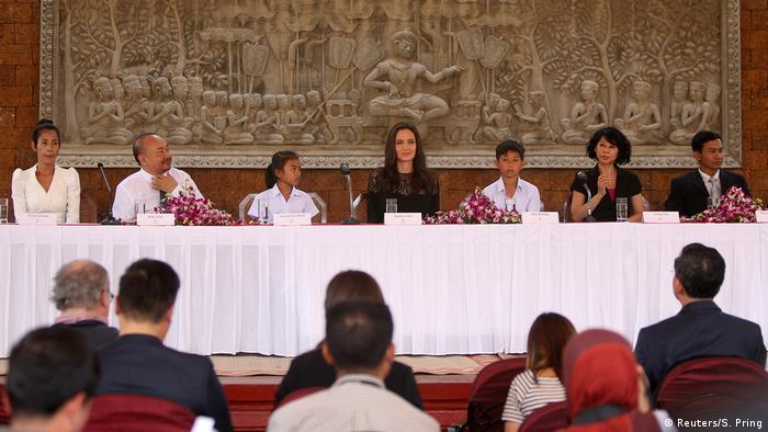 Kambodscha Angelina Jolie stellt Kriegsfilm vor (Reuters/S. Pring)