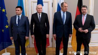 Deutschland | Münchner Sicherheitskonferenz | Außenminister aus der Ukraine Pavlo Klimkin, Frankreich Jean-Marc Ayrault, Russland Sergey Lavrov und Deutschland Sigmar Gabriel (REUTERS/S. Hopp)