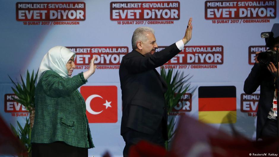 Alman siyasetçilerden Oberhausen mitingine tepki