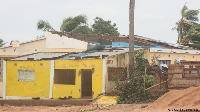 Mosambik | Zerstörungen nach Tropensturm Dineo in Inhambane (DW/L. da Conceicao)