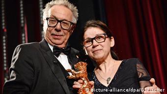 Kosslick mit der letztjährigen Bären-Gewinnerin, der ungarischen Regisseurin Ildikó Enyedi