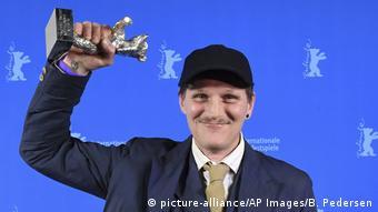 Berlinale   Abschluss und Verleihung der Bären   Preisträger Silbener Bär Georg Friedrich (picture-alliance/AP Images/B. Pedersen)