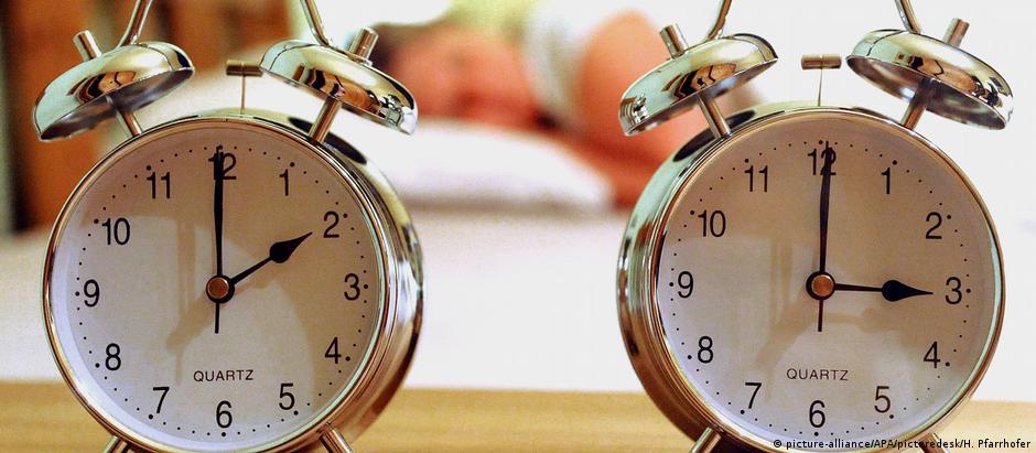 Parlamento Europeu quer avaliar necessidade do ato de adiantar e atrasar os ponteiros dos relógios