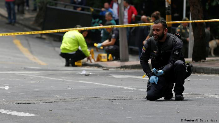 Kolumbien Polizist bei Explosion an Stierkampfarena in Bogotá getötet (Reuters/J. Saldarriaga)