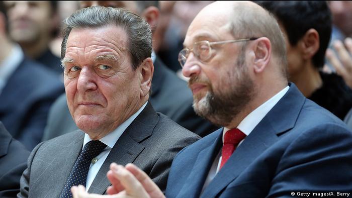 Deutschland SPD Gerhard Schröder & Martin Schulz 2014 (Getty Images/A. Berry)