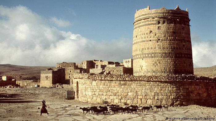 Так сейчас выглядит Мариб - старинный город, который, очевидно, был столицей савейского царства.