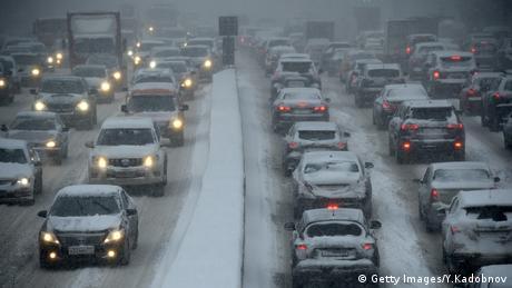 Verkehrschaos Russland Moskau (Getty Images/Y.Kadobnov)