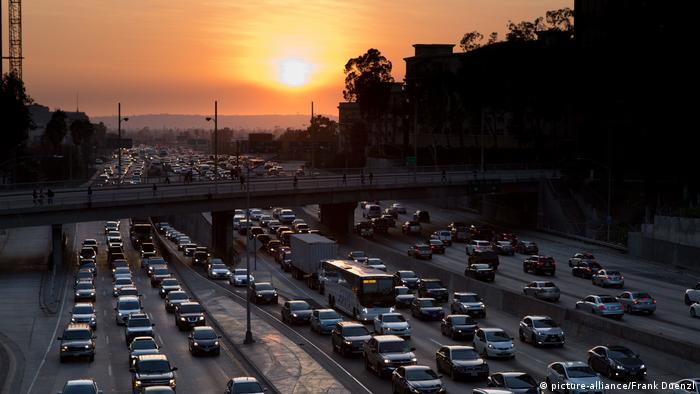 USA Verkehr in Los Angeles (picture-alliance/Frank Duenzl)